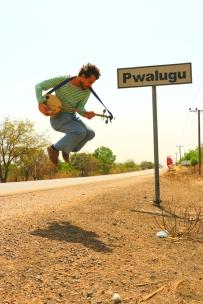 JUMPING PWALUGU